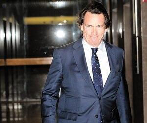 Le grand patron de Québecor Pierre Karl Péladeau était au palais de justice de Montréal, jeudi, lorsque son entreprise a proposé une séance de médiation intensive avec Bell, afin de régler le litige concernant TVA Sports. L'offre a été rejetée par Bell.