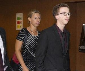 Steeve Lavoie, Sylvie Gabriel et leur fils Jérémy se sont retrouvés dans la même salle que Mike Ward, mercredi.