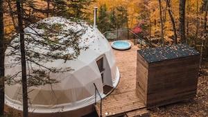 Image principale de l'article Des dômes avec spa à Charlevoix
