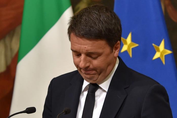 Le chef du gouvernement italien Matteo Renzi a démissionné.