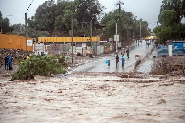 Des pluies torrentielles dans le nord du Chili ont fait plus de 600 sinistrés.