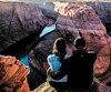 Le couple a pu prendre un moment pour admirer le point de vue unique qu'offre Horseshoe Bend en Arizona.