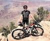 Dany Bonneville s'est imposé quatre camps d'entraînement d'une dizaine de jours chacun dans l'Ouest américain depuis le mois de janvier, afin de s'acclimater à différentes conditions d'altitude et de température. Sur cette photo, on le voit aux abords du Grand Canyon, à la fin du mois d'avril.