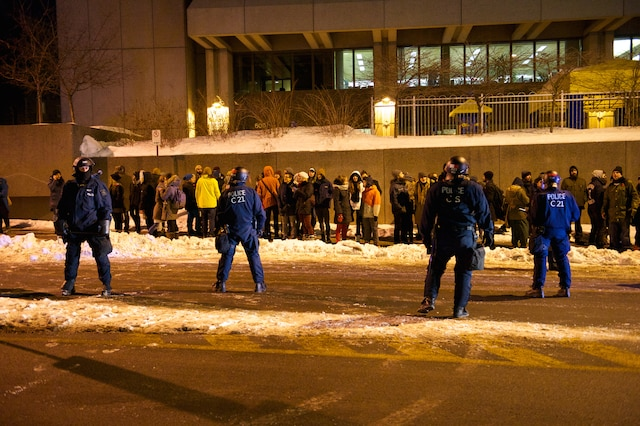 Manifestation étudiante nocturne à Québec, le 25 mars 2015STEVE POULIN/AGENCE QMI