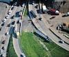 La sortie de route du camion-citerne a provoqué une importante congestion dans le secteur du pont Champlain.