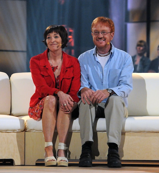 Gladys Chamberland et son conjoint Yves Carrier avaient participé à l'émission Mon plan Rona en 2011 et avaient charmé les téléspectateurs. Ils ont tous deux péri dans l'attaque djihadiste.