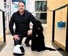 Le robot MIA tire son nom de la chienne du fondateur de Kolony Robotic, Pascal Tremblay. L'entreprise souhaite en vendre 10 000 par année.