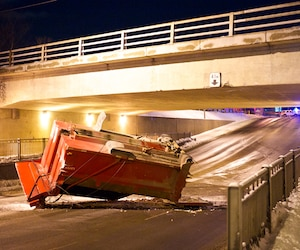 Le 25 janvier, le viaduc de l'avenue Saint-Sacrement a aussi été percuté par un camion dont la benne n'avait pas été rabaissée.