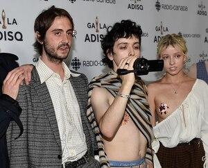 Image principale de l'article Hubert Lenoir vole le show sur le tapis rouge