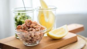 Salade croquante aux crevettes nordiques