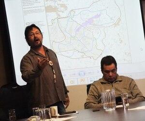 Tony Wawatie et le chef de Lac-Barrière, Casey Ratt, acceptent certains projets forestiers, la pêche, la chasse et d'autres activités récréotouristiques sur leur territoire, mais ne feront pas de compromis sur les activités minières qu'ils jugent non durables.