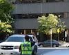 Jonathan Cauchon, un jeune homme de 18 ans, a comparu mardi au palais de justice de Québec en lien avec le faux appel à la bombe qui a entraîné l'évacuation du Complexe G, lundi après-midi, à Québec.