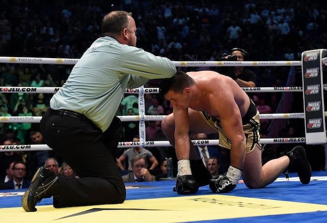 Après avoir été envoyé au tapis au deuxième round, Simon Kean y est retourné au quatrième. Il n'a toutefois pas été capable de se relever lors de sa seconde visite au plancher.