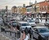 Le dernier chantier majeur sur l'avenue Maguire remonte à 1985-1986. Ceux qui espéraient que l'artère commerciale soit revampée en 2019 devront prendre leur mal en patience, puisque la Ville de Québec a mis le projet de «rue conviviale» sur la glace.