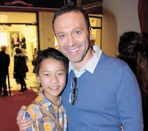 Joël Legendre et son fils adoptif Lambert.
