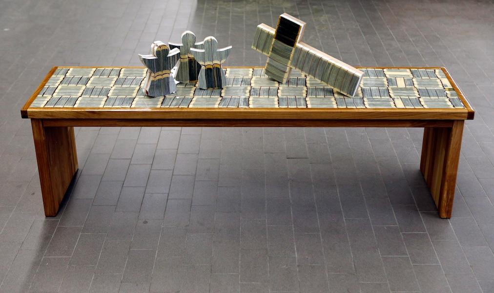 recycler les livres religieux le journal de montr al. Black Bedroom Furniture Sets. Home Design Ideas