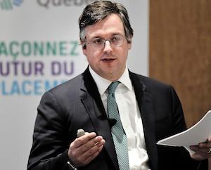 Paul DesmaraisIII, PDG de Sagard Holdings, lors d'une conférence sur les fintechs, à Québec, en octobre 2019.
