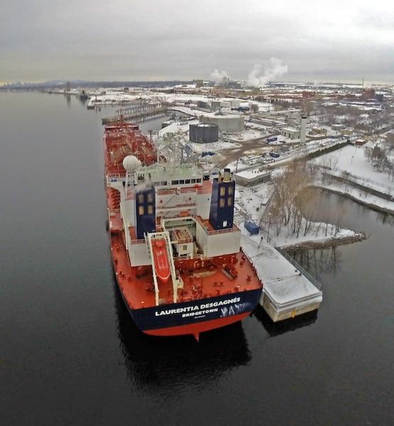 Le Laurentia Desgagnés a pour port d'attache la capitale de la Barbade, Bridgetown. Il est destiné à faire la navette entre Montréal et la raffinerie de Valero à Lévis, chaque semaine, avec à son bord 350 000 barils de pétrole. Bien qu'il puisse contenir 500 000 barils de brut, il ne pourra pas être rempli à pleine capacité, car il serait alors incapable de passer à certains endroits du fleuve.