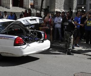 Le reconstitutionniste de la Sûreté du Québec (SQ) Yves Brière a expertisé la scène de la collision mortelle survenue le 3 septembre 2014 au coin des rues Saint-François et du Parvis, dans le quartier Saint-Roch, à Québec.