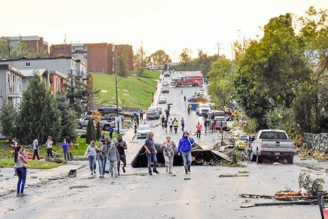 Le secteur Mont-Bleu de Gatineau a été dévasté en moins de deux minutes vendredi en fin d'après-midi.
