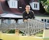 Sébastien Lemieux a réalisé ce modèle à l'échelle du pont de Québec, inspiré par les travaux de son grand-père, qui avait conçu une maquette du pont dans les années20.