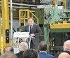 Le premier ministre François Legault a annoncé vendredi la relance de l'ancienne usine de la papetière Domtar fermée depuis 2005.