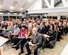 Plus d'une centaine de résidents de Stoneham-et-Tewkesbury, incluant une majorité de commerçants, se sont déplacés à l'hôtel de ville, lundi soir, pour manifester leur mécontentement aux membres du nouveau conseil municipal au sujet dela hausse des taxes commerciales de 35,4%.