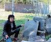 Brigitte Joly a vu ce tas de pierres lors d'une visite chez son concessionnaire automobile voisin du cimetière de Sorel-Tracy.