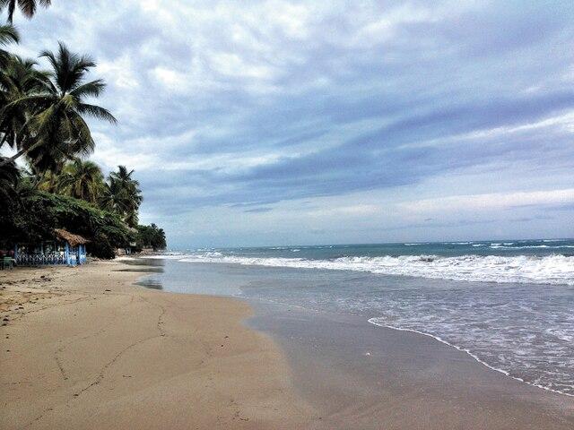 En Haïti, deux ans après le désastre causé par le tremblement de terre du 12 janvier 2010, le ministère du Tourisme entame un programme dont l'objectif principal est de donner une autre image du pays et de montrer que le tourisme est désormais possible, mais également souhaitable. Ici, l'une des très belles plages que l'on trouve en Haïti.
