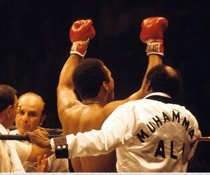 Muhammad ALI, 1977, NY Madison Square Garden fight. CASSIUS