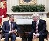 Donald Trump en compagnie du ministre des Affaires étrangères russe Sergueï Lavrov.