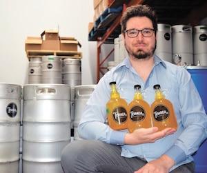 Alexandre Roux, fondateur de Tchaga Kombucha, une compagnie de boisson naturelle fondée en 2016 et située à Sherbrooke.