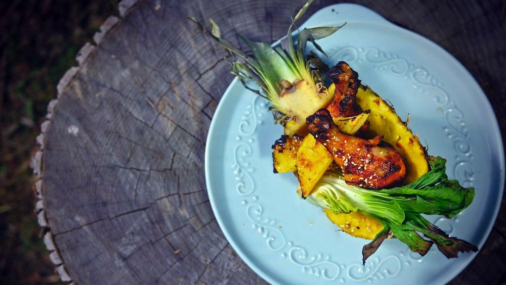 Poulet aux ananas avec sauce aux cerises