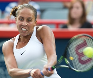 Madison Keys y a mis toute la gomme en frappant ce revers contre Venus Williams.