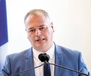 Jonatan Julien, Ministre de l'Énergie