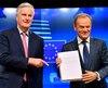Le président du Conseil européen, Donald Tusk (à droite) au côté de Michel Barnier, le négociateur en chef de l'Union européenne (à gauche).