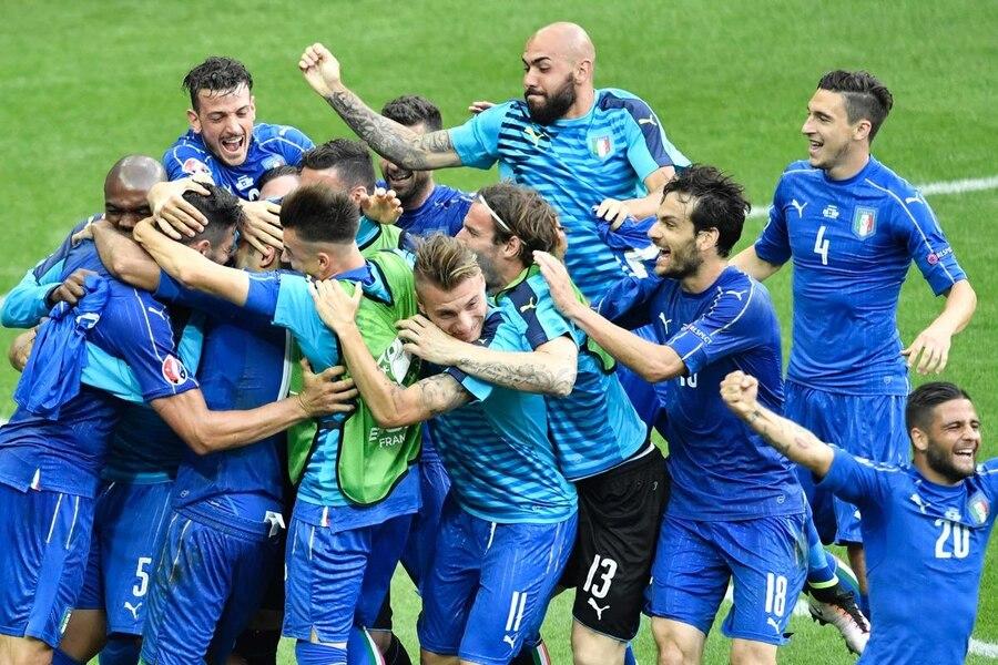 Foto timnas spanyol euro 2012
