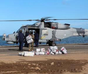 Le Royaume-Uni achemine déjà vers les Îles Vierges du matériel médical, des vivres, du matériel militaire et des soldats.