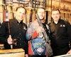 Le directeur de la bannière Ecotone, Richard Auger (à gauche), le propriétaire de la boutique de Beaupré, Johnee Fontaine (au centre), et Michel Côté, propriétaire de la bannière (à droite), trois hommes qui représentent bien la philosophie de la compagnie.