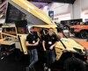 Pier-Luc Marcoux et Frédéric Garneau, deux des membres de l'équipe qui travaille sur le projet Adventurus, posent fièrement devant leur création, pleinement confiants pour la première sortie de leur véhicule.