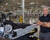 Le VP de la stratégie manufacturière, Patrick Dussault, lundi, à l'usine BRP de Valcourt.
