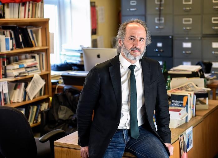 Antoine Robitaille montre une très belle feuille de route en journalisme.