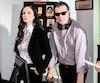 Elisabetta Fantone sur le plateau de tournage de <i>Paper Empire</i>, avec le réalisateur Robert Gillings.