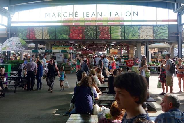 Fin de journée au Marché Jean-Talon.