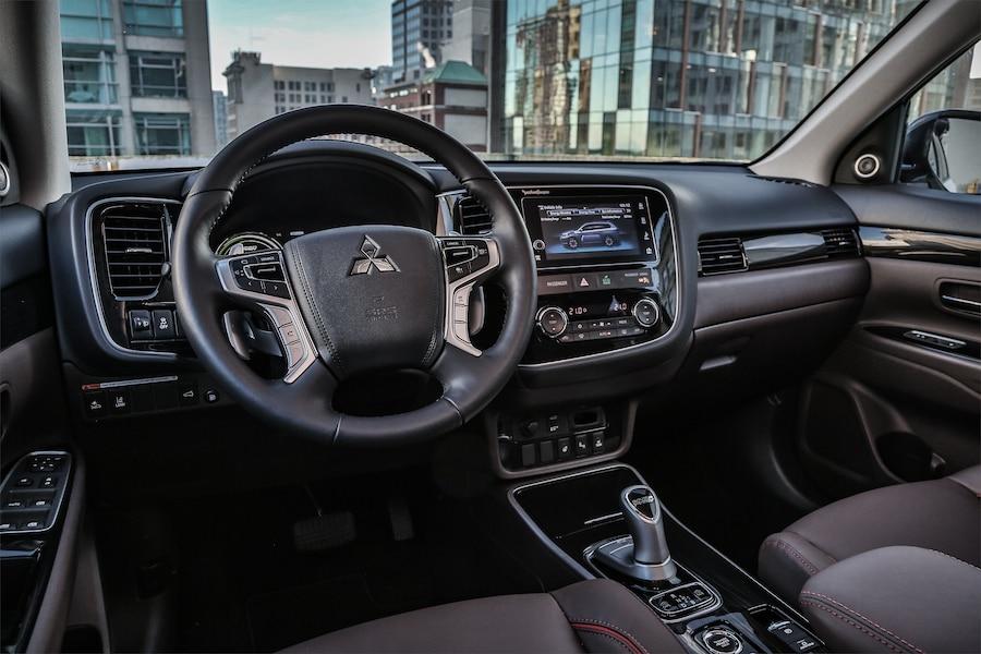 Mitsubishi Outlander PHEV: sans essence, mais à quel prix? C20aa6eb-6832-4727-9a5c-6ad4338b65f1_ORIGINAL