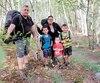 Francis Desormeaux, Monica Chhith et leurs trois garçons Ty-Lee(9 ans), Liam(7 ans) et Bradly(3 ans) disent avoir marché plus de 500km depuis le début de leur aventure.