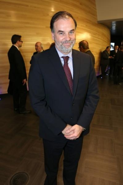 Le ministre Pierre Duchesne a adoré son voyage fictif dans l'espace et recommande l'expérience à tous.