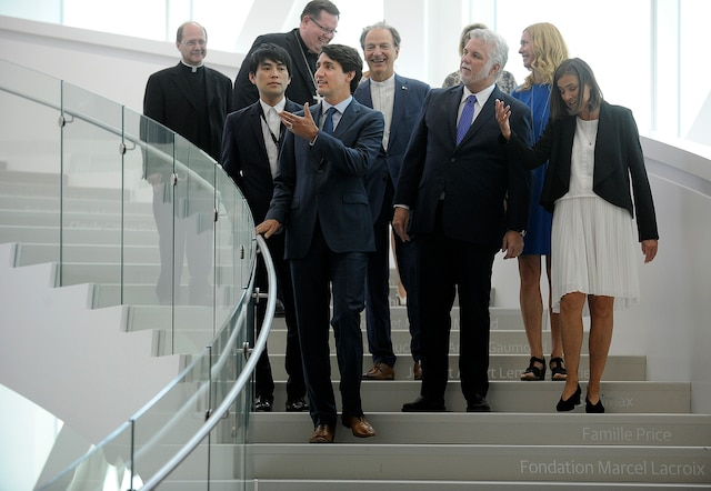 Plusieurs dignitaires et des centaines de citoyens ont inauguré hier le Pavillon Pierre-Lassonde