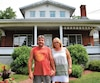 Mario Cloutier et Lucie Veilleux craignent pour la valeur de leur maison patrimoniale, installée sur le boulevard Renault. Maintenant en zone inondable après la nouvelle cartographie du gouvernement, la valeur de la résidence risque de plonger.