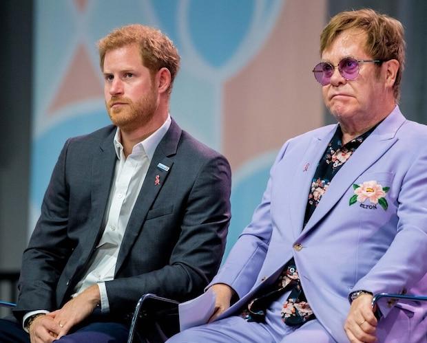 Elton John est fâché contre les médias anglais